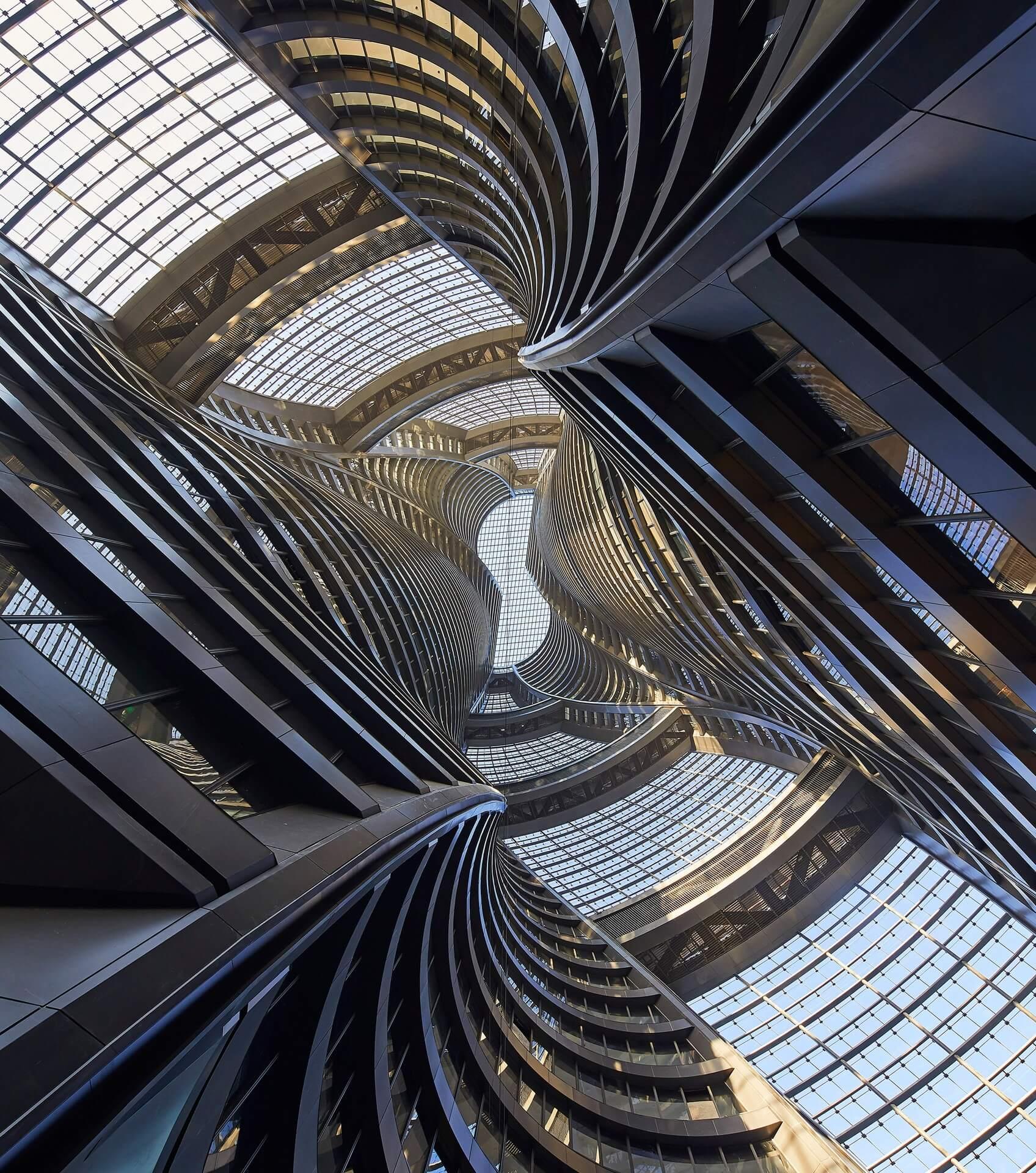 Leeza SOHO atrium