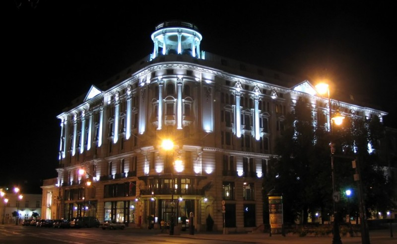 Hotel Bristol nocą