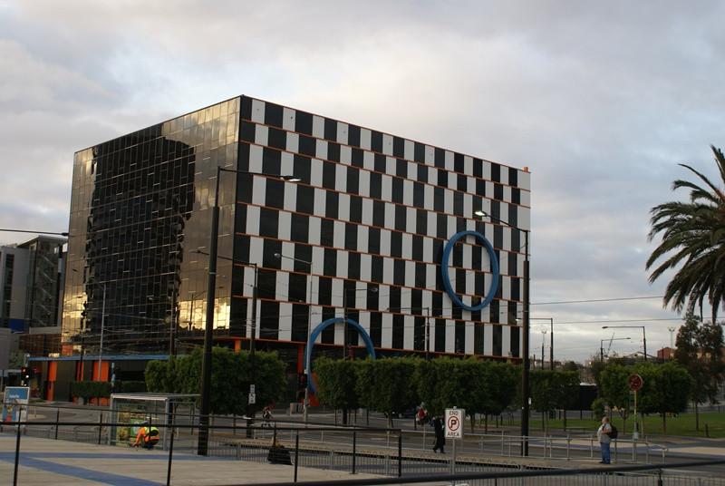 Biurowiec w Melbourne, Doclkands