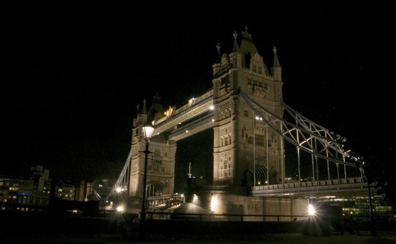 Tower Bridge noca