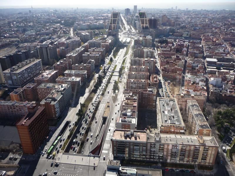 Widok na Madryt z budynku Torre Caja Madrid (250m)