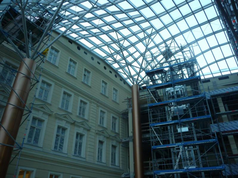 Zadaszenie wewnątrz budynku Letia ,KGHM -Legnica