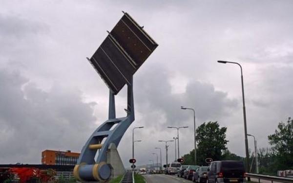 Flying Bridge w Holandii