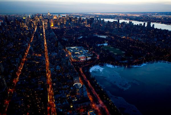 Nowy Jork i Las Vegas widziane nocą