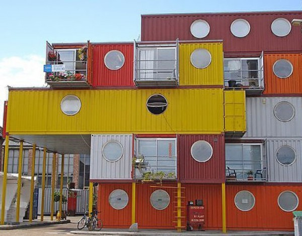 Cottages built of containers