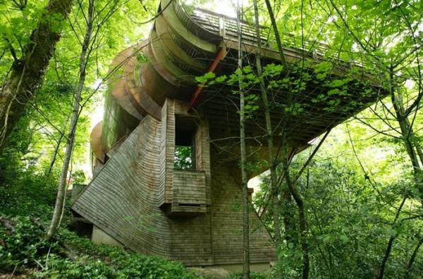 """Dom w """"pełnej"""" zgodzie z naturą"""