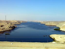 Aswan High Dam od Jordan Busson