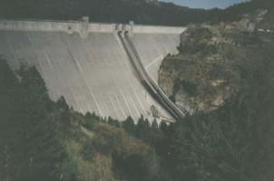Dworshak Dam by Robert Ashworth