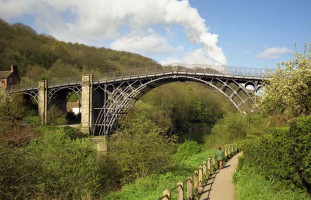 Iron Bridge od John Cornellier