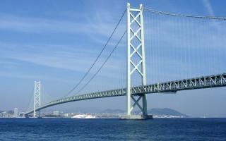 Akashi Kaikyo Bridge by Pinqui