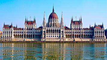 Parlament w Budapeszcie od https://www.flickr.com/photos/molesworth2/6978728693