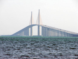 Sunshine Skyway Bridge od Texx Smith